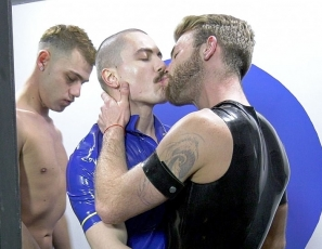 content/37_Guyzin2Rubber_Cut_and_Blow_Part_2_Photos/1.jpg